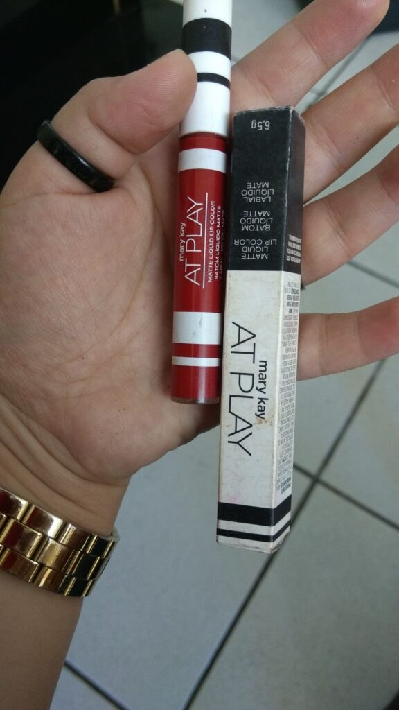 red siren mary kay